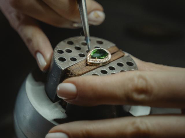 Zutrittskontrolle mit Videosprechanlage und Videoüberwachung für Diamantschmuck Manufaktur